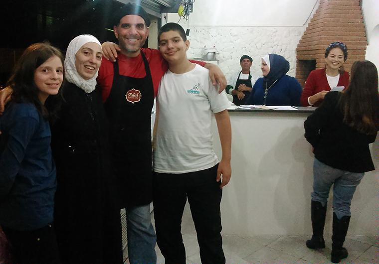 foto familia_inauguracao talal siria