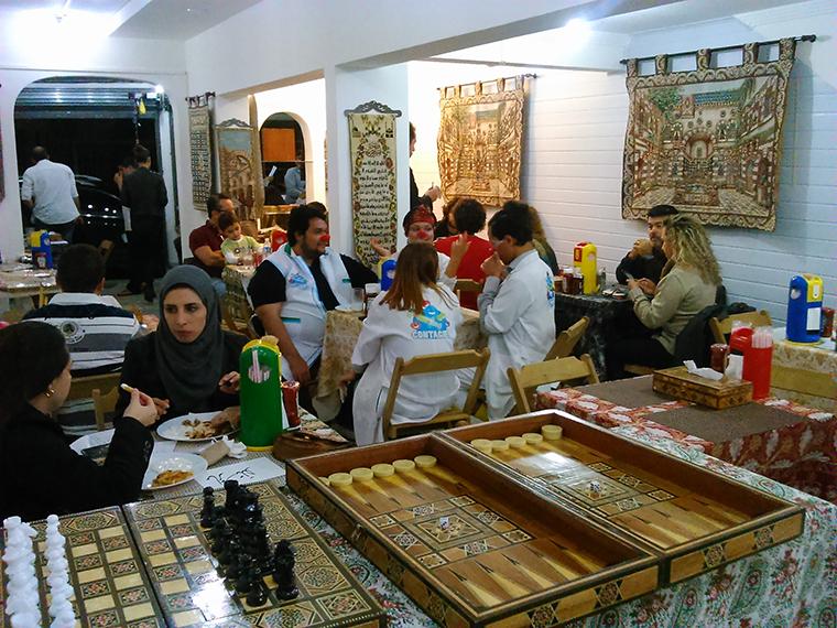 Decoração árabe completa a atmosfera do Talal Culinária Síria (Foto: Géssica Brandino)