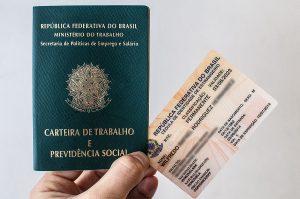 Com o protocolo, o solicitante de refúgio pode emitir a carteira de trabalho, porém, o Registro Nacional de Estrangeiros só é emitido após o deferimento da solicitação pelo Conare (Foto: Reprodução)